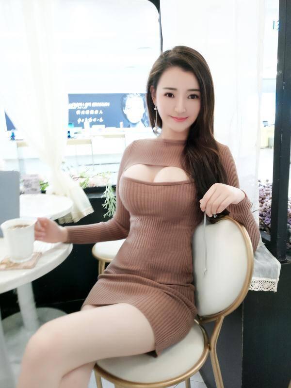 南京身材高挑胸大的极品美女