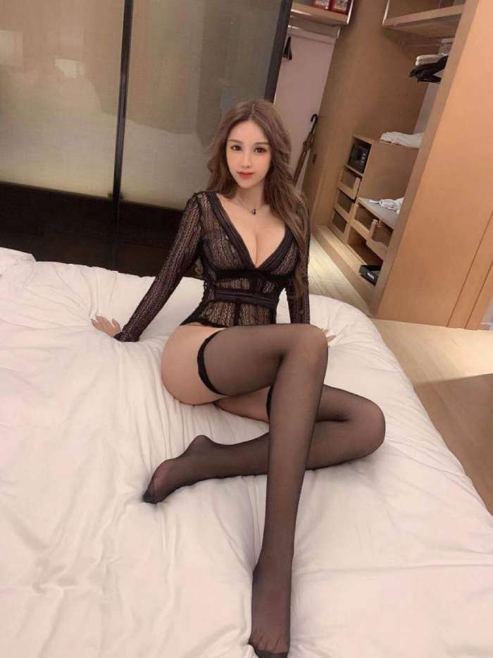 南京如何找外围女/南京身体超软的外围女/南京外围模特-8