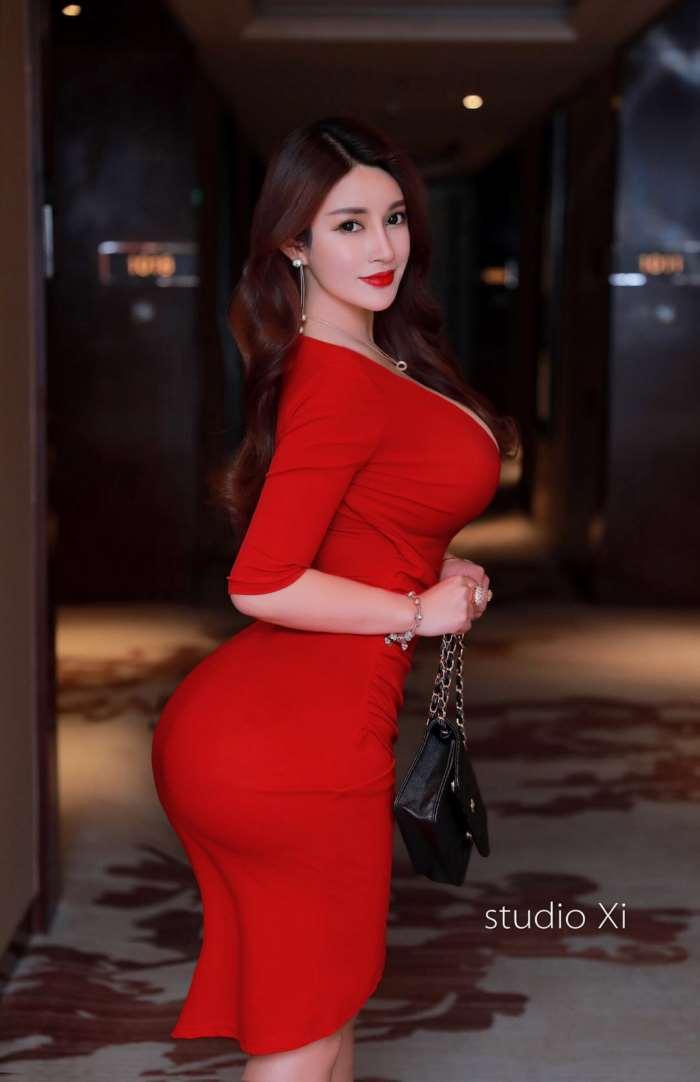 南京女大学生外围/南京外围模特资源/南京高端模特预约